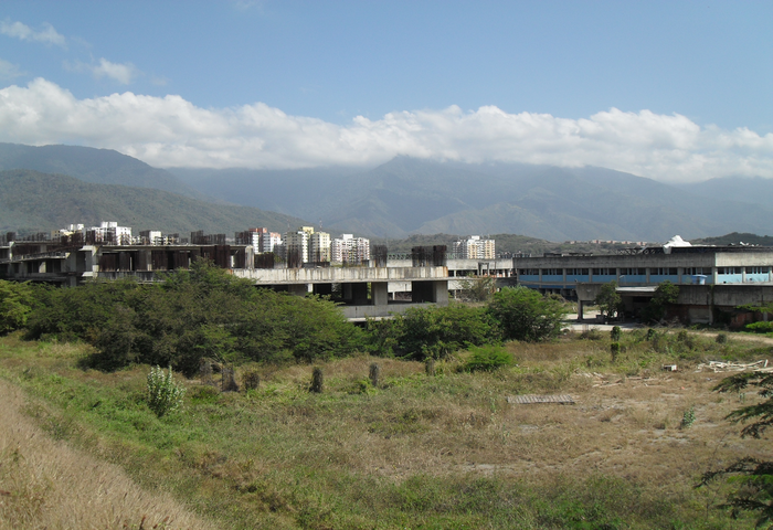 Vista general de los 2 edificios del oncológico de guarenas, 3 feb 2015