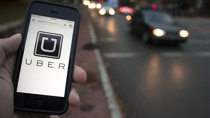 Uber despide a un conductor