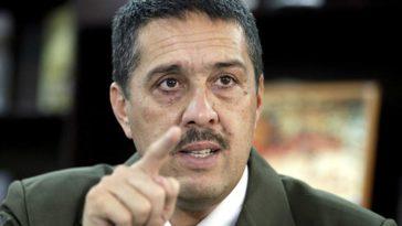 Ramón Lobo, ministro de Finanzas, presenta el Dicom